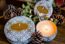 Load image into Gallery viewer, Aqua De Soi Mistletoe and Holly 3 Wick Candle