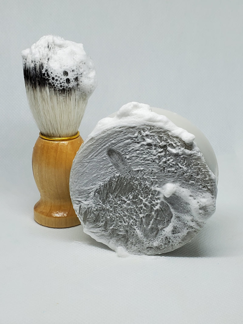 Lick The Lollipop Shaving Soap smells like sticky sweet vanilla aroma with light fruity notes.