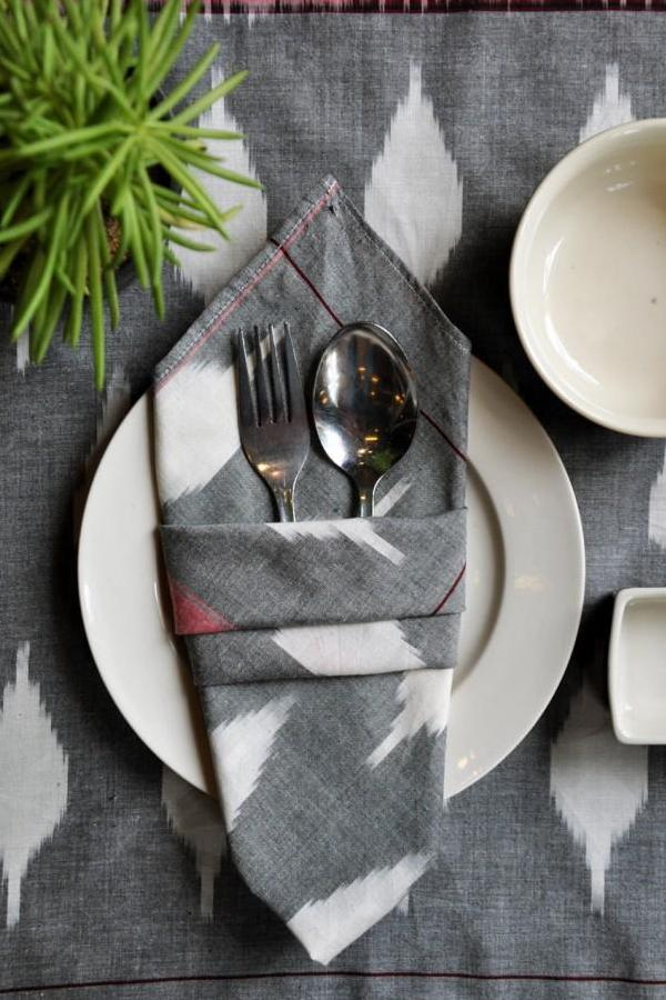 Grey Red Leaf Napkin (Set Of 4)