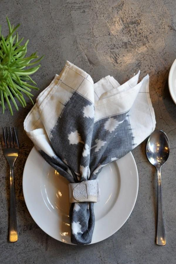 Grey White Buds Napkin (Set Of 4)