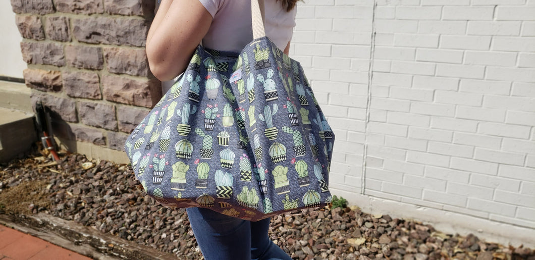 Extra Large Reusable Grocery Bag: Gray Cactus