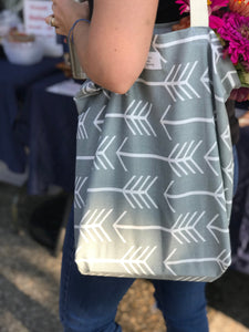 Reusable Grocery Bag: Gray Arrows