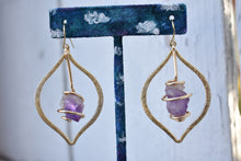 Load image into Gallery viewer, Amethyst Gold Yoni Hoops