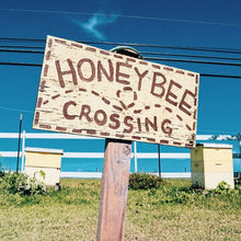 Load image into Gallery viewer, Hawaii farm honey bees