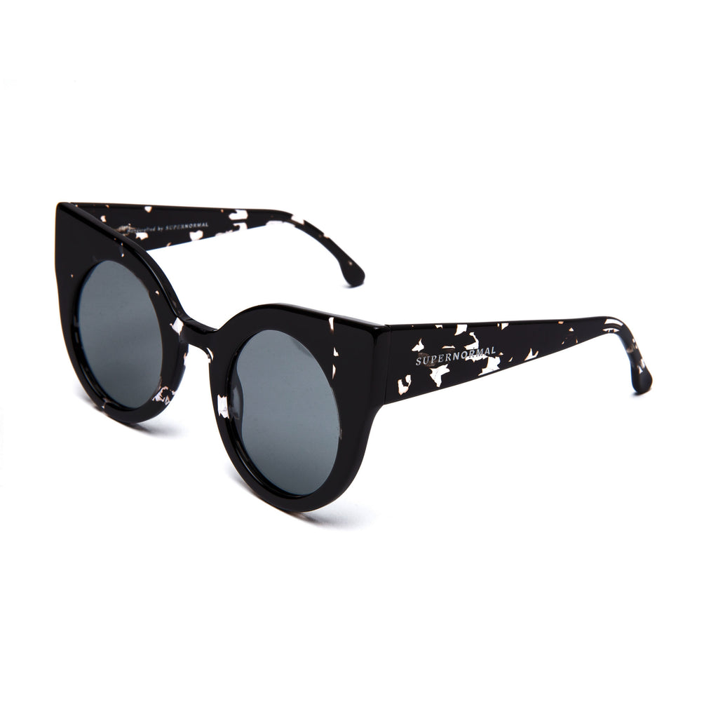 CURIOUS Patterned Black frame + Grey lenses
