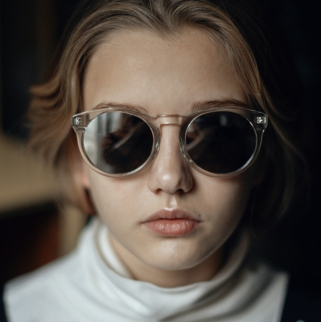 "Transparent Classical Shape Sunglasses  ""SHARP"""