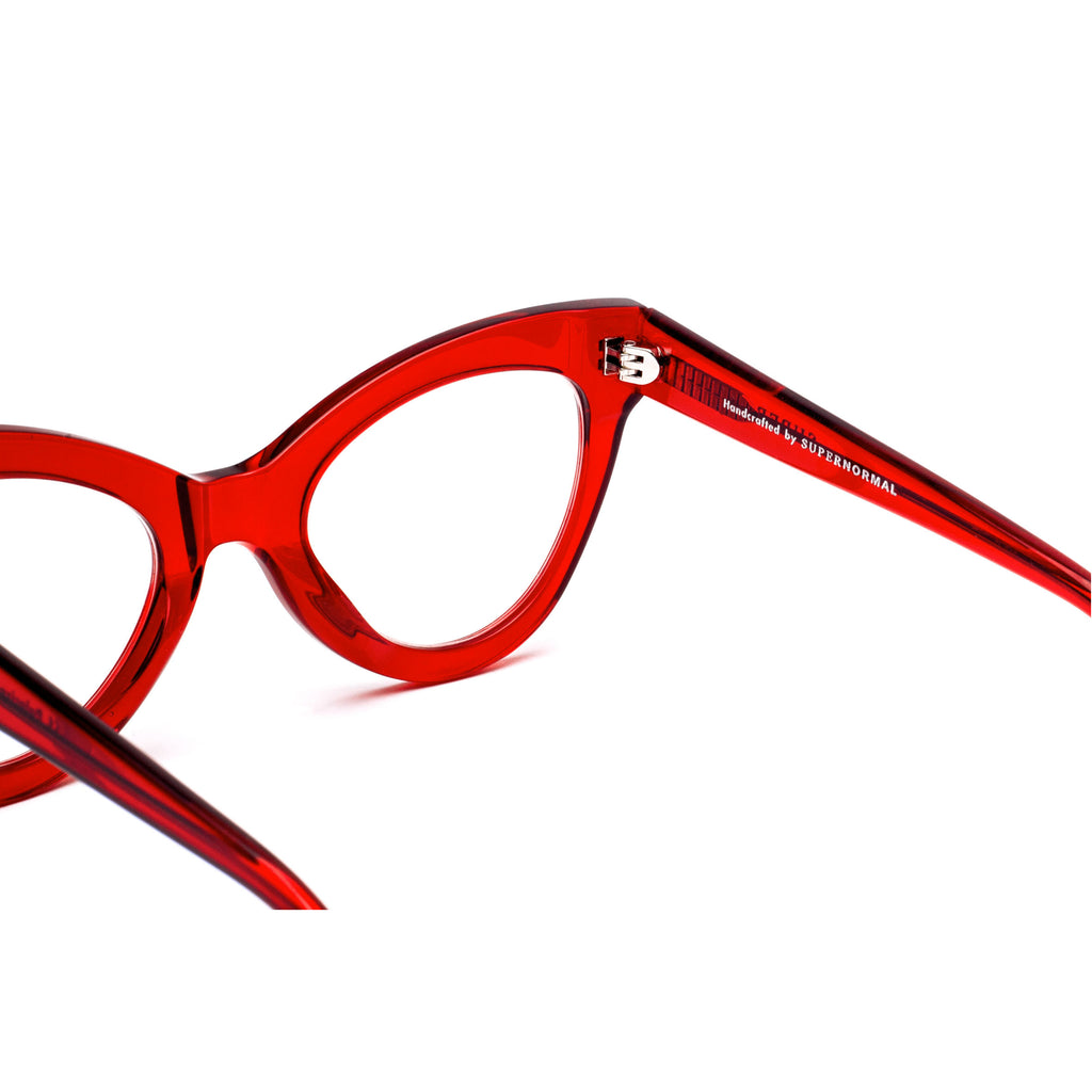 "Red Cat-Eye Eyewear ""MAGNETIC"""