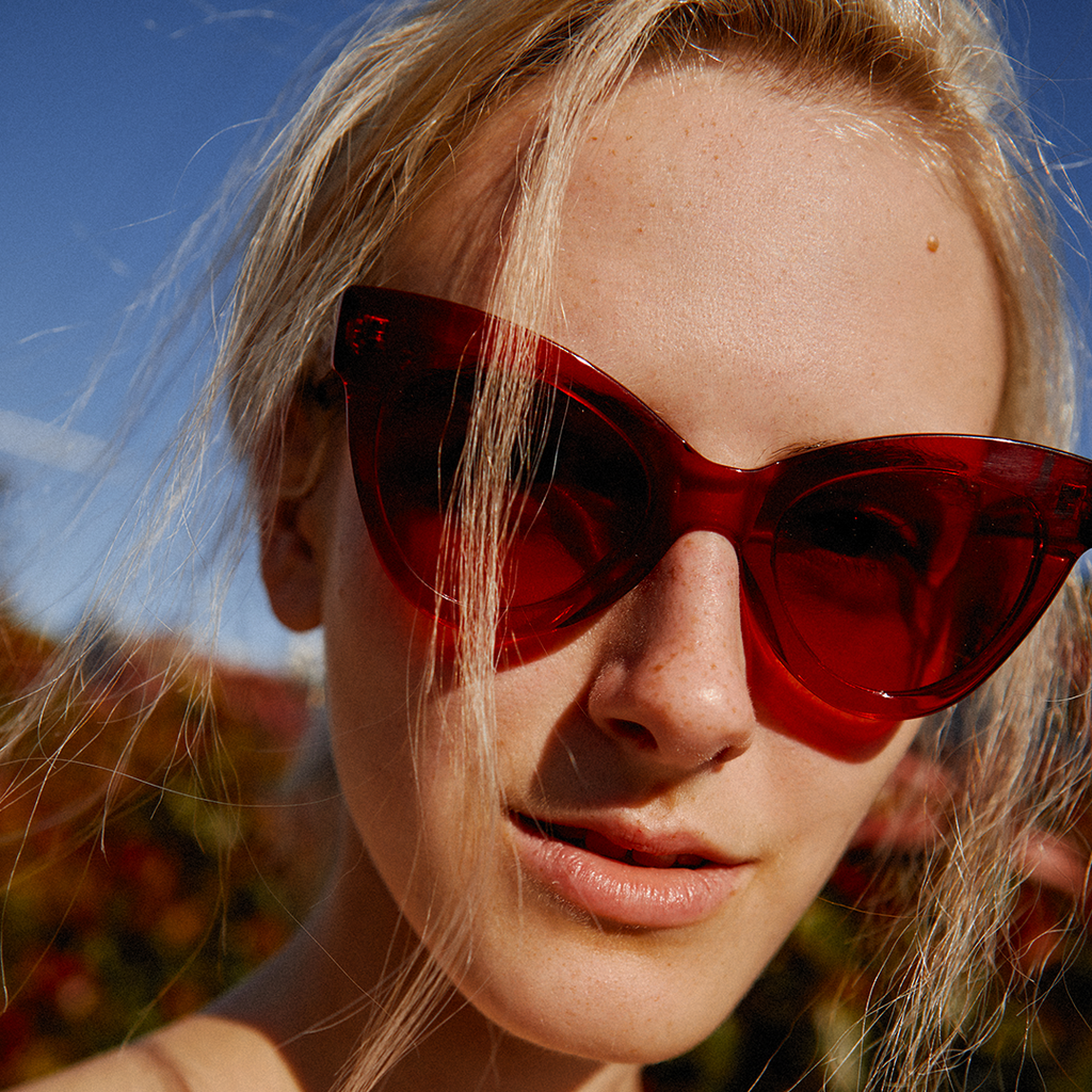 "Red Cat-Eye Sunglasses ""MAGNETIC"""