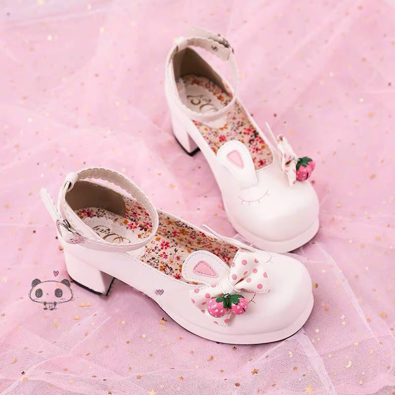 LOLITA EAR BELL SHOES