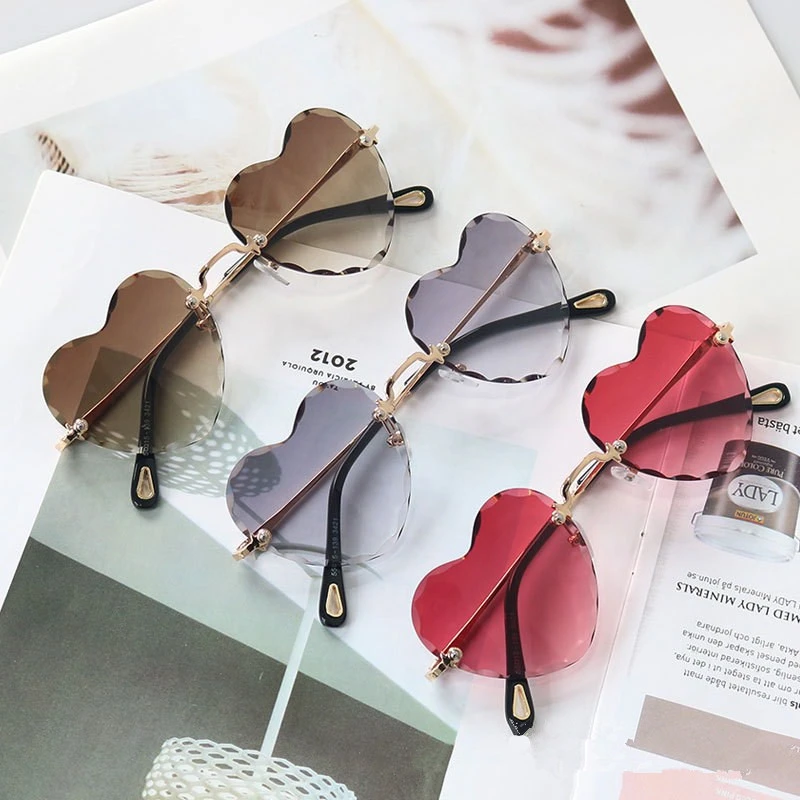 8 COLORS INS CUTE GRADIENT HEART TRAVEL SUN GLASSES BY61703