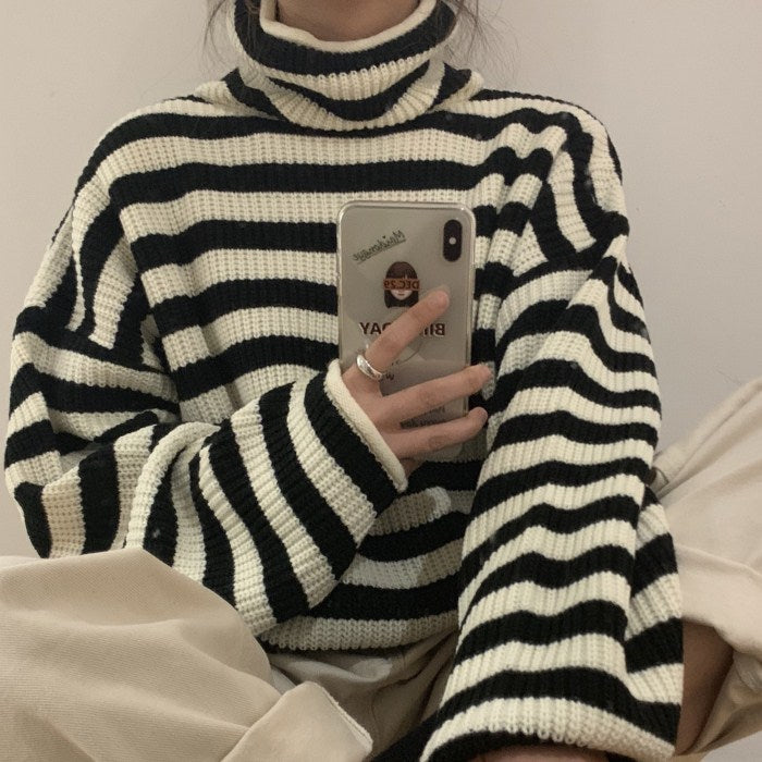 LAZY BLACK & WHITE STRIPE SWEATER BY21160