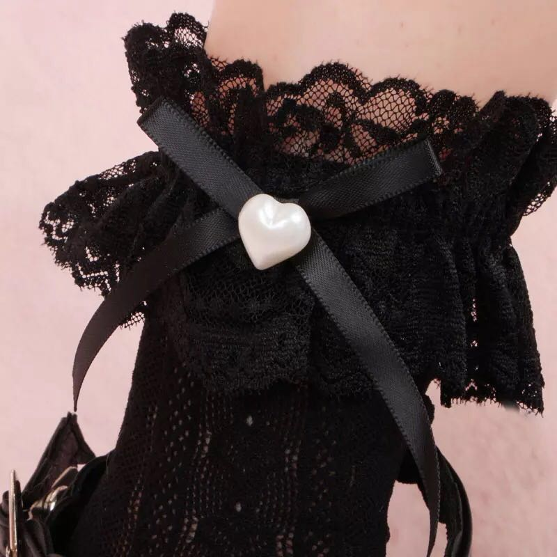 LOLITA LACE HEART BOW SOCKS