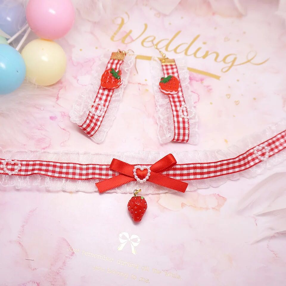 LOLITA STRAWBERRY GRID NECKLACE