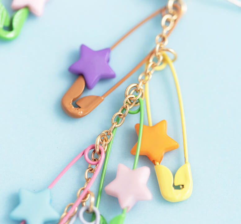 MACARON STAR PIN EARRINGS BY60401