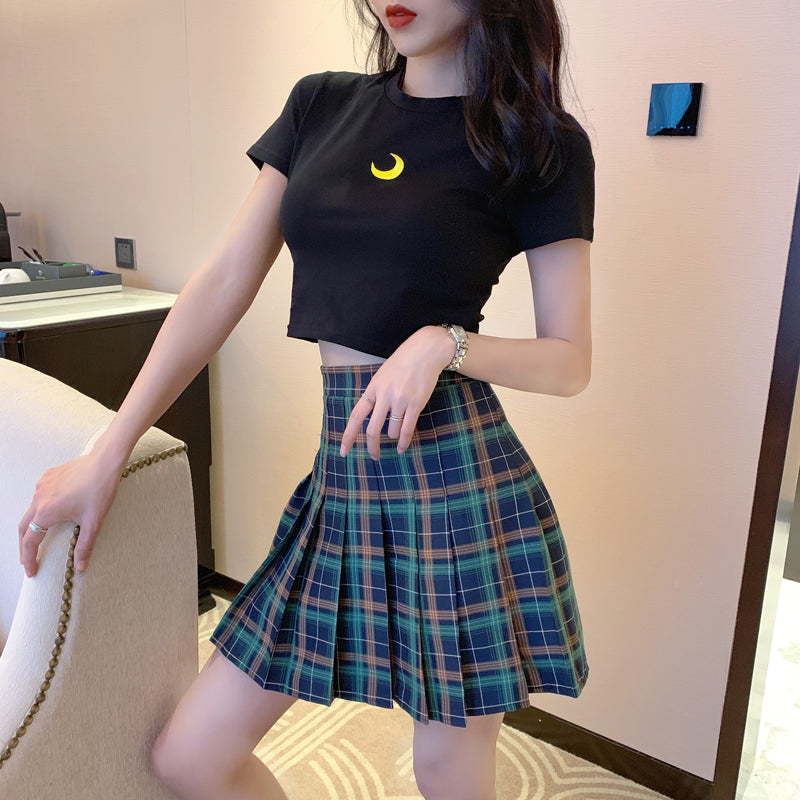 MOON PRINT T-SHIRT & CHECKER PLEATED SKIRT BY22227