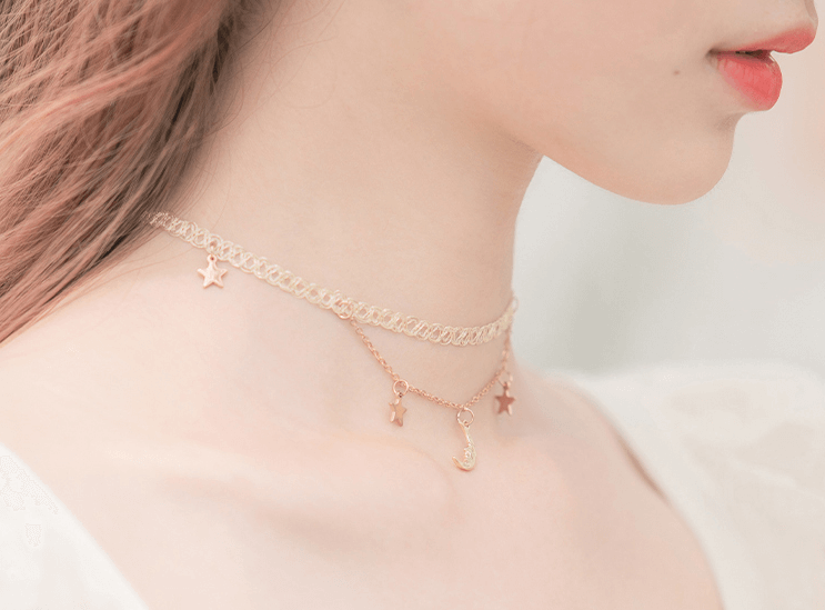 ''MOON & STAR''LACE CHOKER BY60402