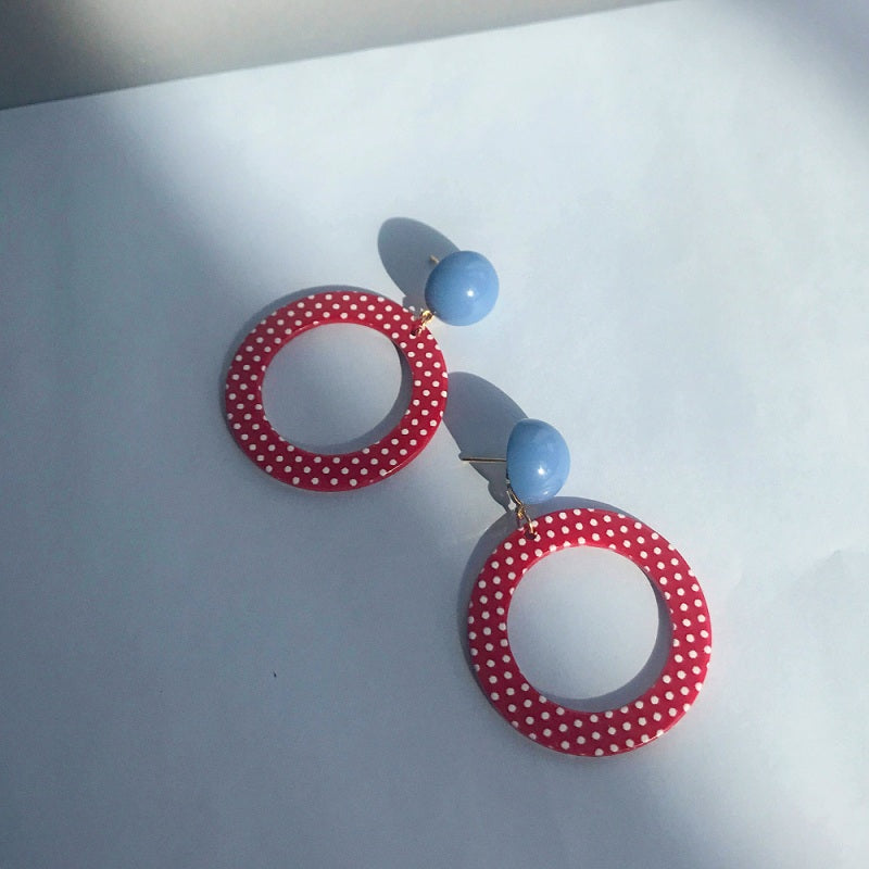 RETRO RED POINT EAR STUDS