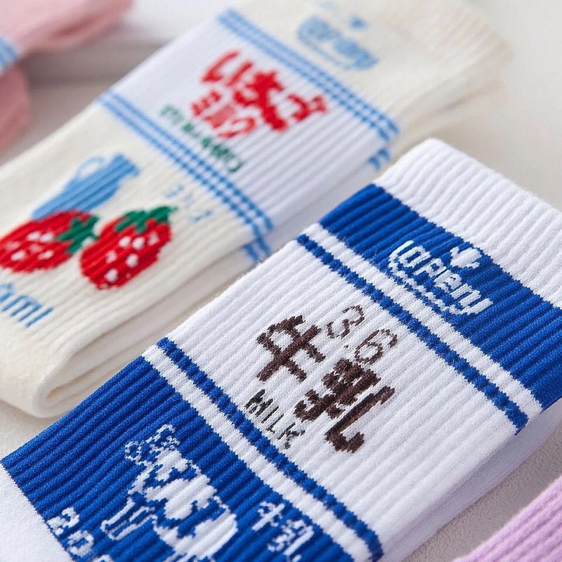3 PAIRS ULZZANG MILK STRAWBERRY SOCKS BY64008