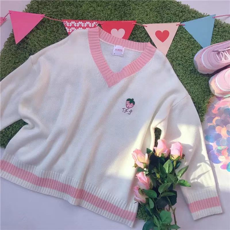 CUTE STRAWBERRY PEACH EMBROIDERIED SWEATER BY23033