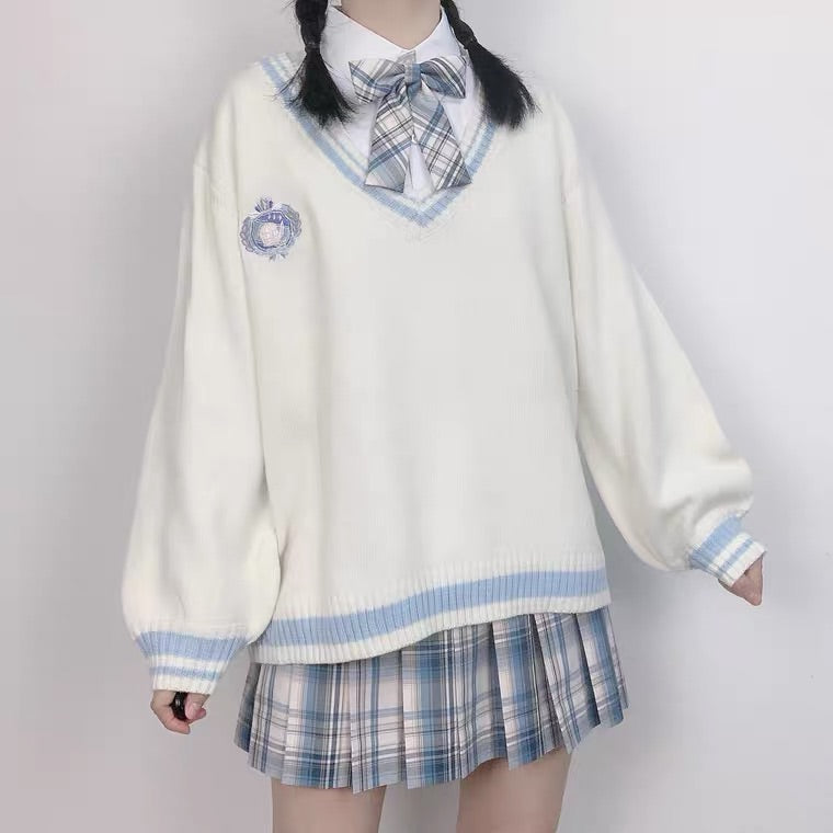 WHITE/BLUE V-COLLAR JK SWEATER BY98444