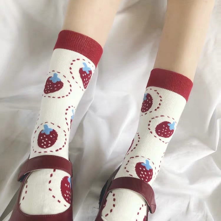 CUTE STRAWBERRY SOCKS BY64032