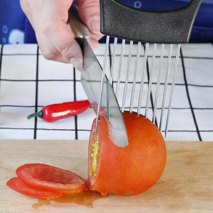 【BUY 2 FREE SHIPPING !!!】SIMPLY SLICE EASY GRIP FOOD HOLDER