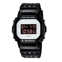"Load image into Gallery viewer, Casio G SHOCK 30th Anniversary x ""MEDICOM TOY"" Bearbrick DW-5600MT"
