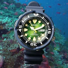 "Load image into Gallery viewer, Seiko PROSPEX x ""GREEN SEA TURTLE"" Asia Exclusive Diver's Watch SRPA99K1"