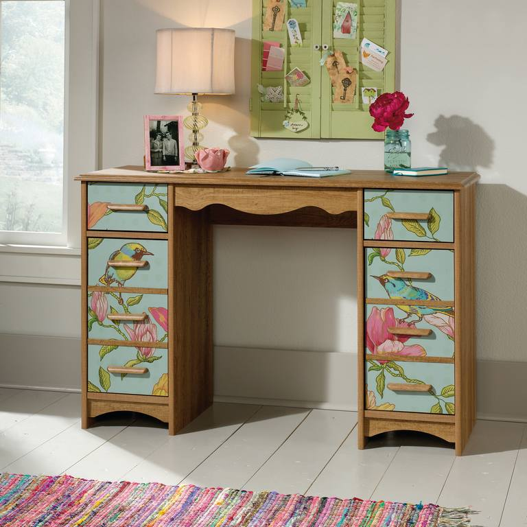 Boutique Style Desk