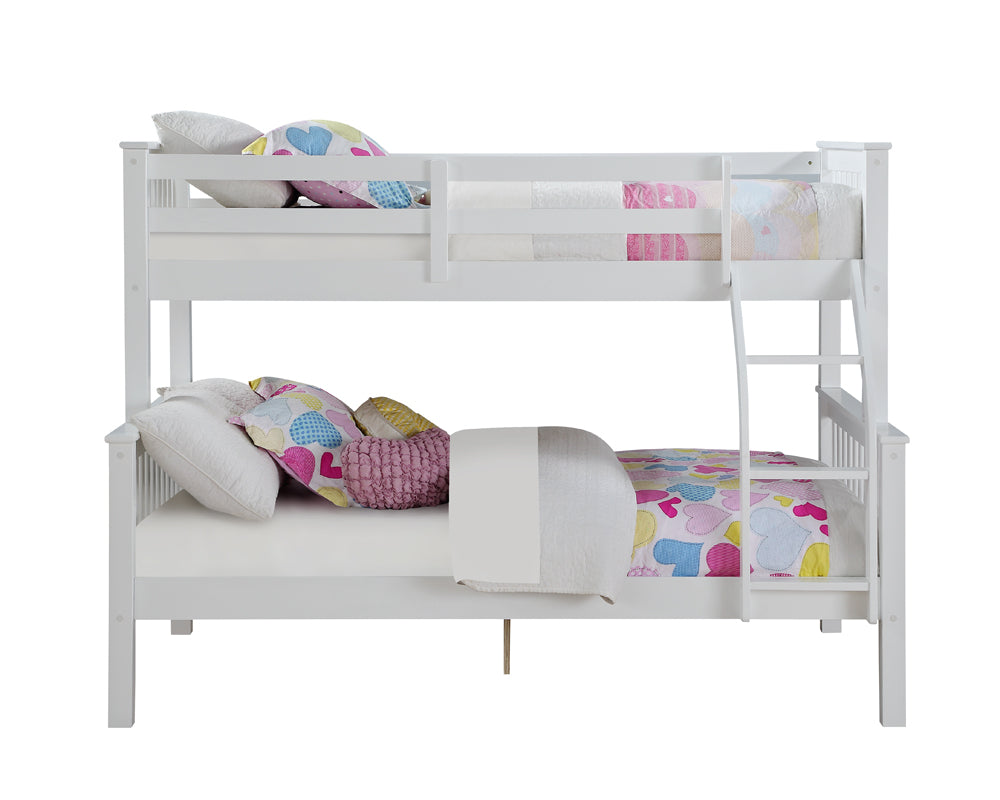 Novaro White Wooden Triple Bunk Bed