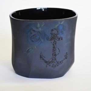Black Facet Cup Floral