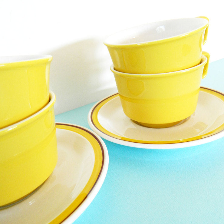 '60s Cups & Saucers Yellow 8pc