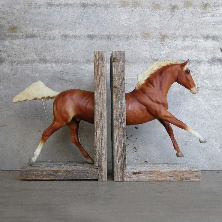 Galloping Bookend Brown