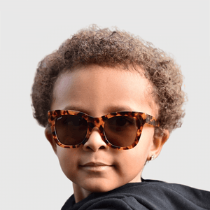 tate wearing mihi kids sunglasses - the hamptons design