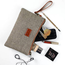Load image into Gallery viewer, Sophie Wristlet Clutch Collection - Horizontal Brown and Cream Herringbone