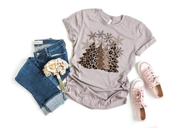 PREORDER-Leopard Glitter Christmas Trees & Snowflakes SS Boutique Soft Tee-Pebble Brown