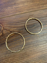 Load image into Gallery viewer, Hammered Circle Dangle Earrings - Gold