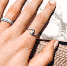 Load image into Gallery viewer, Dainty Enamel Wave Ring - Blue/Silver