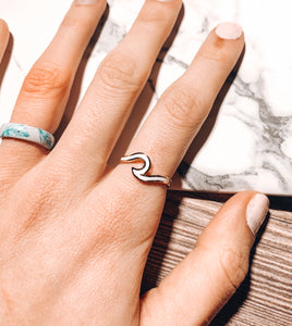 Dainty Enamel Wave Ring - White/Gold