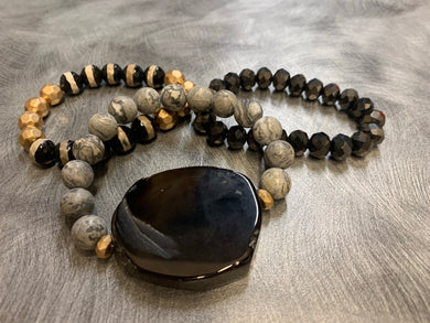 Large Stone Focal Glass Beaded Bracelet Set - Black/Grey/Gold
