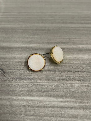 The Mina Stud Earrings - White