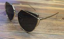 Load image into Gallery viewer, Womens Mirrored Flat Lens Cat Eye Fashion Sunglasses - D69