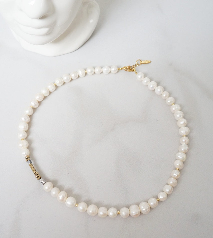 Large pearl necklace with hematite stones