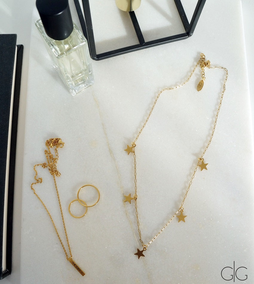 Minimal star necklace in gold