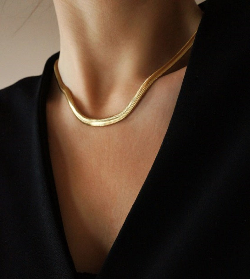 Minimal snake style necklace chain