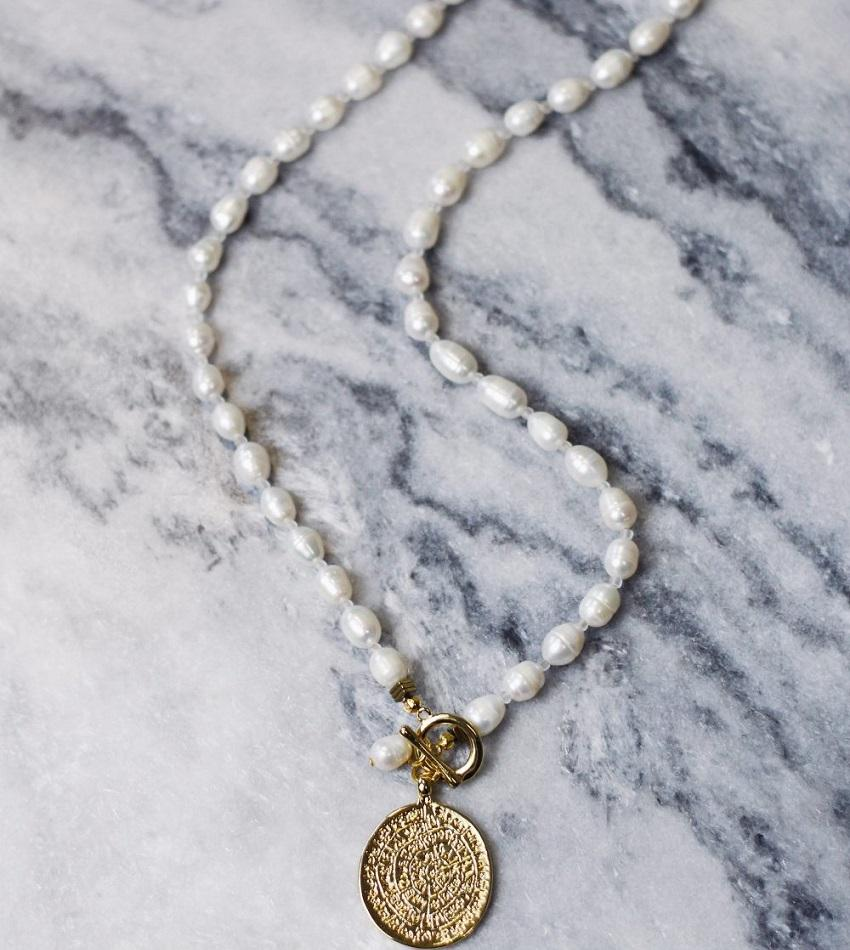 Freshwater pearls necklace with greek coin