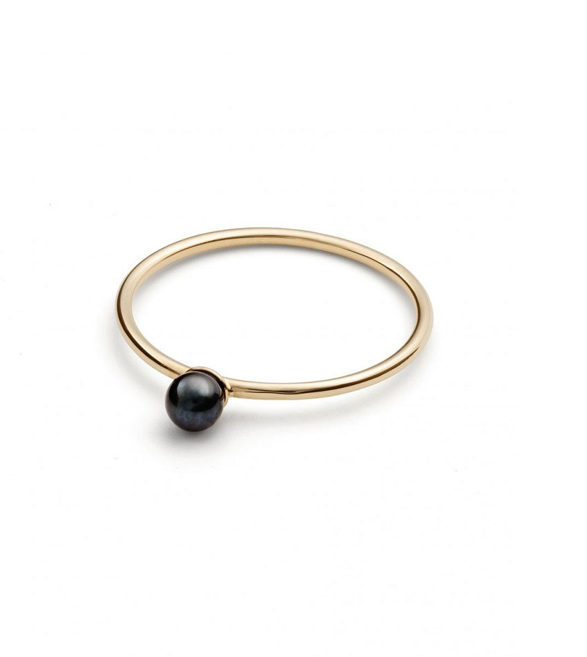 Black Pearl Petite Ring - 18K Gold