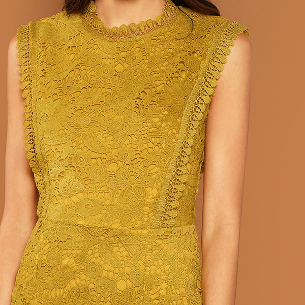 Elegant Sleeveless Shift Dress in Ginger with Contrast Lace - zoom in