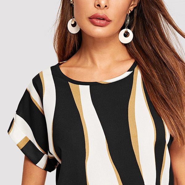 Casual Top, T-shirt with Cuffed Sleeves in Striped Colorblock Print - Black - Zoomed in