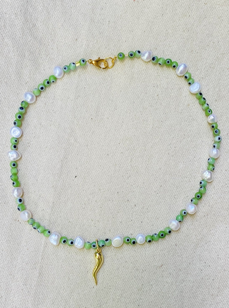 GREEN PROTECTIVE HORN NECKLACE
